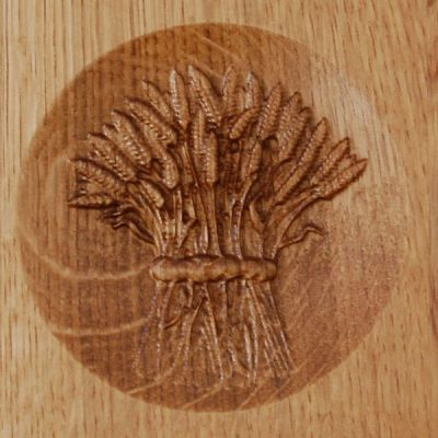 Wheat sheaf motif on wooden chopping board trophy