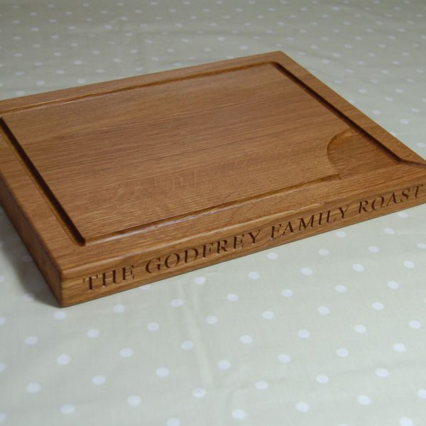 Personalised engraved wooden carving board, size 30x40x4cm, font Times New Roman