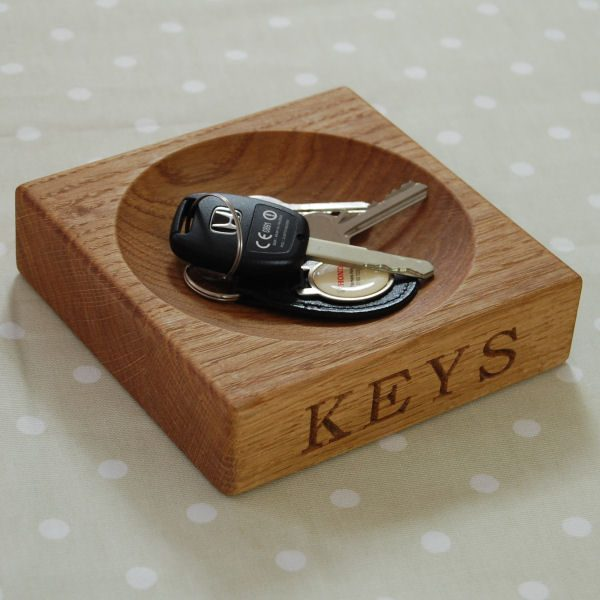 Hand crafted, engraved oak key bowl, font Bookman Old Style