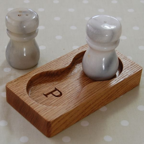 Personalised engraved oak salt and pepper stand, font Bookman Old Style