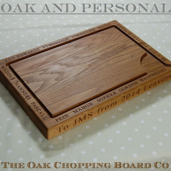 Personalised wooden carving board, size 30x45x4cm, font Times New Roman