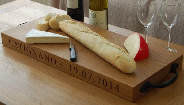 Rustic oak serving board, font Times New Roman