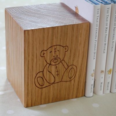 Personalised children's wooden bookend with teddy bear motif