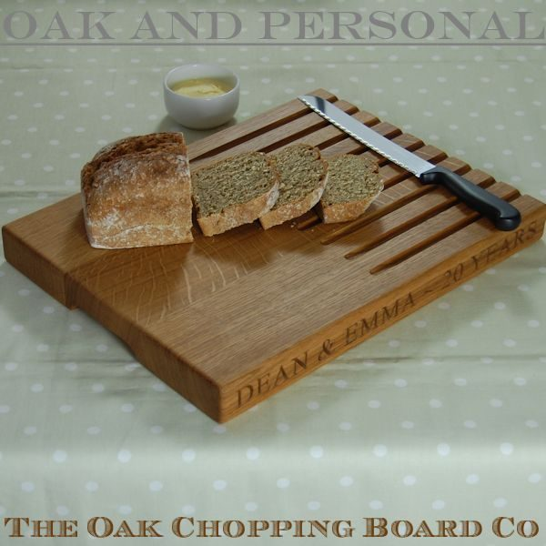 Rectangular bread board, size 30x40x4cm, font Times New Roman