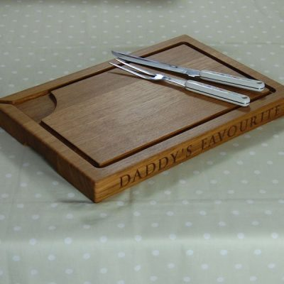 Engraved oak carving board, size 30x45x4cm, font Byington