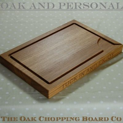 Personalised wooden carving board, size 30x45x4cm, font Arial