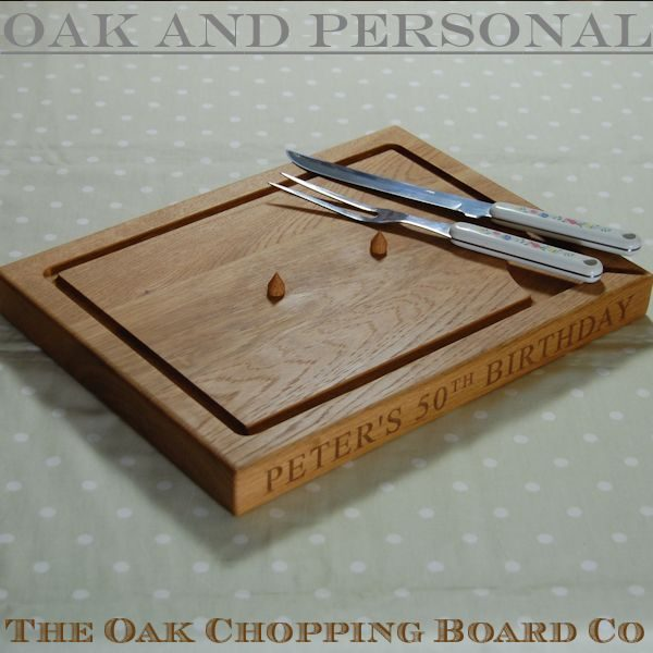 Carving board with spikes, size 30x45x4cm, font Times New Roman