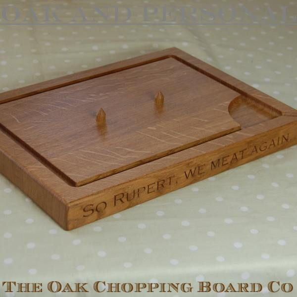 Personalised carving board with spikes, size 30x40x4cm, font Copperplate Gothic Light