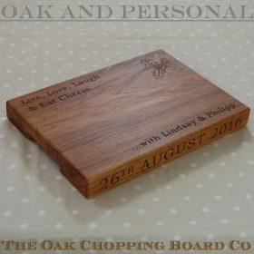 Personalised cheese board, size 25x35x4cm, font Bookman Old Style, optional oak leaves & acorns motif