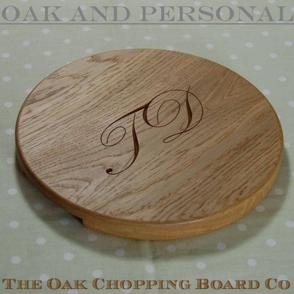 "Round ""Signature"" personalised cheese board, size 30 dia x 2.7cm"
