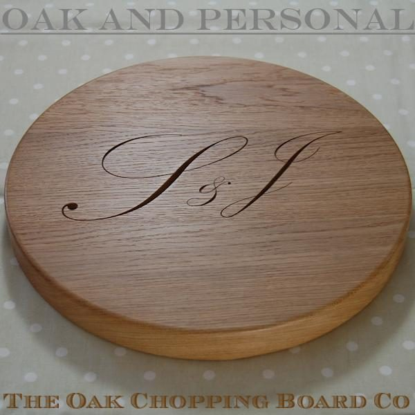 "Round ""Signature"" personalised cheese board, size 38 dia x 4cm"