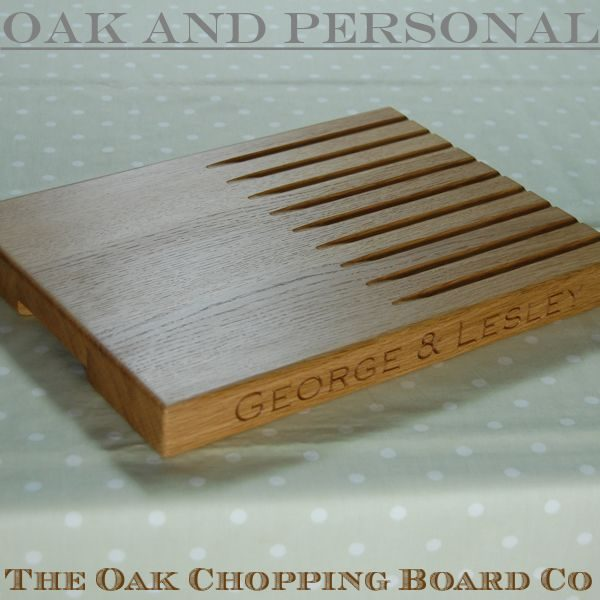 Personalised bread board, size 30x40x4cm, font Copperplate Gothic Light