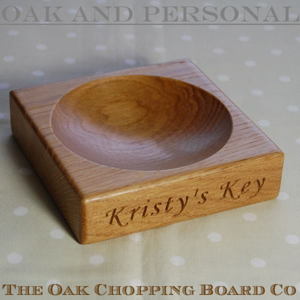 Personalised engraved oak key bowl, font Art Script