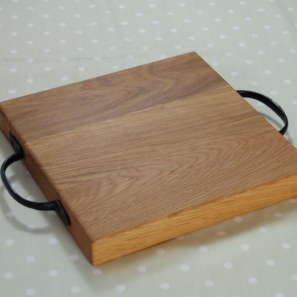 Rustic wooden chopping board, size 30x30x4cm