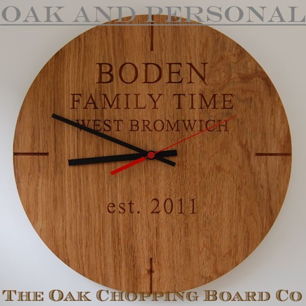 Personalised wooden wall clock, font Times New Roman